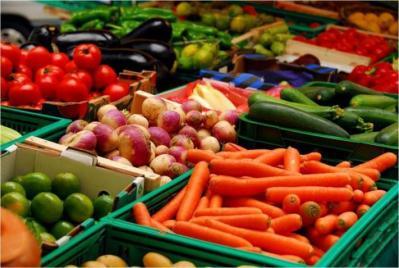 غزة : أسعار الخضروات والدجاج في الأسواق اليوم
