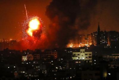 سلسلة غارت إسرائيلية عنيفة على أهداف في قطاع غزة