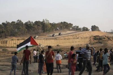 قناة إسرائيلية: عدم توفير لقاح كورونا لغزة قد يقود الى تصعيد على حدود