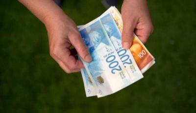 العملات اليوم: الدولار يواصل الانهيار أمام الشيكل