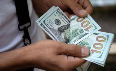 الدولار اليوم.. سعر الصرف يواصل الانخفاض