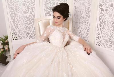 """إليكِ """"عروسة"""" 6 أخطاء تجنبيها عند اختيار فستان الزفاف.. أهمها التوقيت والآراء الكثيرة"""