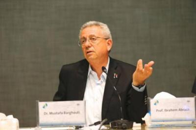 """البرغوثي: """"إسرائيل"""" تنفذ صفقة القرن عبر الاستيطان السرطاني"""