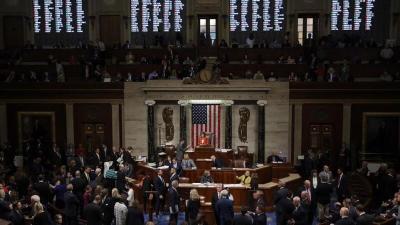 مجلس النواب الأمريكي يتحدى ترامب ويقر ميزانية للدفاع قدرها 740 مليار دولار