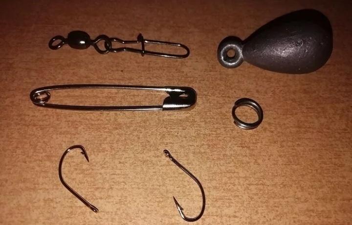 أدوات عملية تصنيع صنارة الصيد