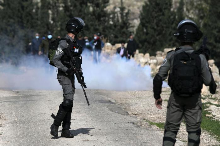صحيفة عبرية: تخوفات إسرائيلية من اندلاع موجة تصعيد بالضفة لهذا السبب