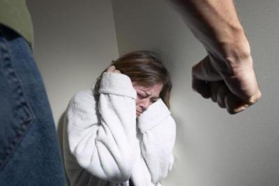 جريمة قتل تهز الأردن.. شاب يضرب شقيقته حتى الموت ويشارك في جنازتها