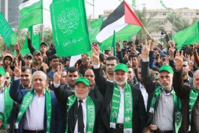 توافقات داخل حماس تحسم مناصبها القيادية في الانتخابات ومشعل يعود للواجهة
