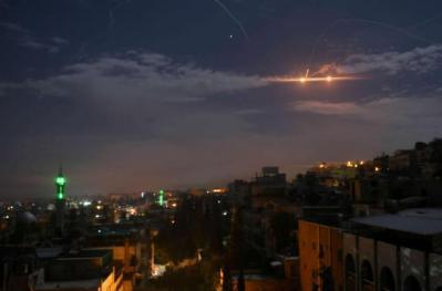 المرصد السوري: 40 قتيلا بغارات إسرائيلية على سوريا