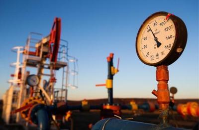 أسعار النفط تنزل في ظل طغيان القلق بشأن العزل العام على آفاق الطلب