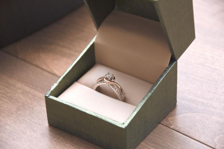كيف تحددين مقاس خاتم الزواج المثالي؟