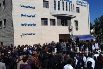 نقابة الأطباء: ندعو أبو مازن للتدخل لأن غدا ستكون كارثة صحية لم تُسجل مٌسبقًا