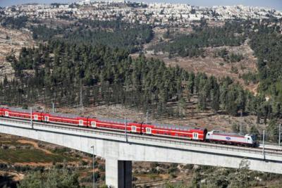 إسرائيل تروج رسميا لإنشاء سكة حديد من خليج حيفا حتى الخليج العربي