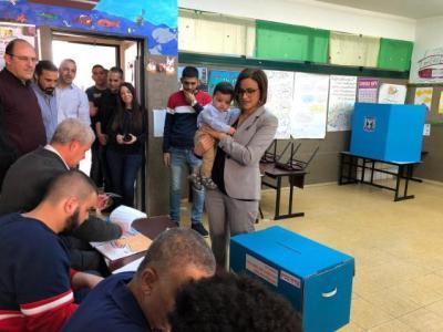 10 أيام على الانتخابات.. استطلاع جديد ومعضلات تواجه الأحزاب الإسرائيلية
