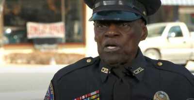 """عمره 91 عاما ولا يخطط للتقاعد.. قصة الشرطي الأميركي """"سميث"""""""