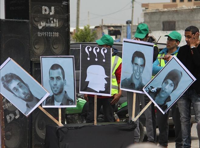 صحيفة عبرية: التسوية الحقيقية بين إسرائيل وحماس لن تتم بدون الإفراج عن الأسرى الإسرائيليين
