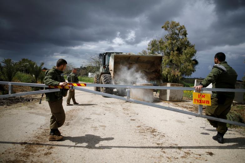 إسرائيل تُقرر إغلاق معابر الضفة الغربية وقطاع غزة لهذا السبب!