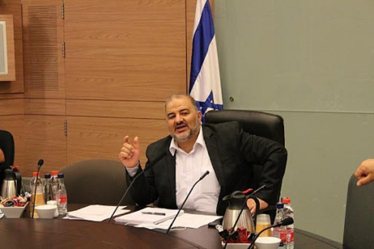 عباس منصور يدعو للتعايش بين العرب واليهود