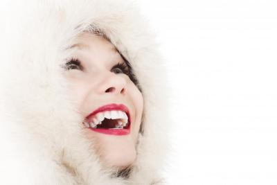 8 نصائح للحصول على أسنان بيضاء قبل الزفاف
