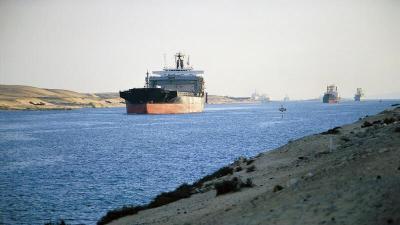 القاهرة تدرس قرارا فاصلا لمنع تكرار أزمة قناة السويس