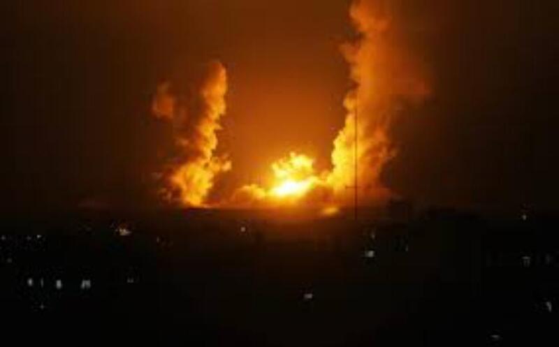 الاحتلال يشن سلسلة غارات على مواقع للمقاومة بقطاع غزة