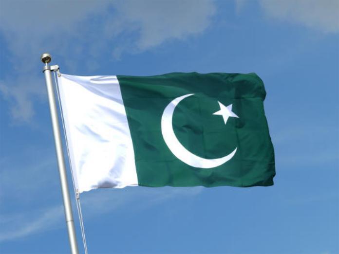 حكومة باكستان تسعى لتصويت برلماني على طرد السفير الفرنسي