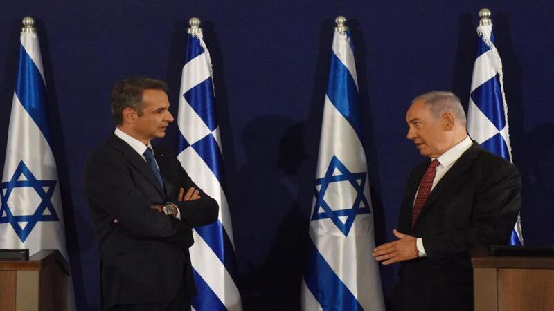 إسرائيل واليونان توقعان أكبر صفقة دفاعية بينهما