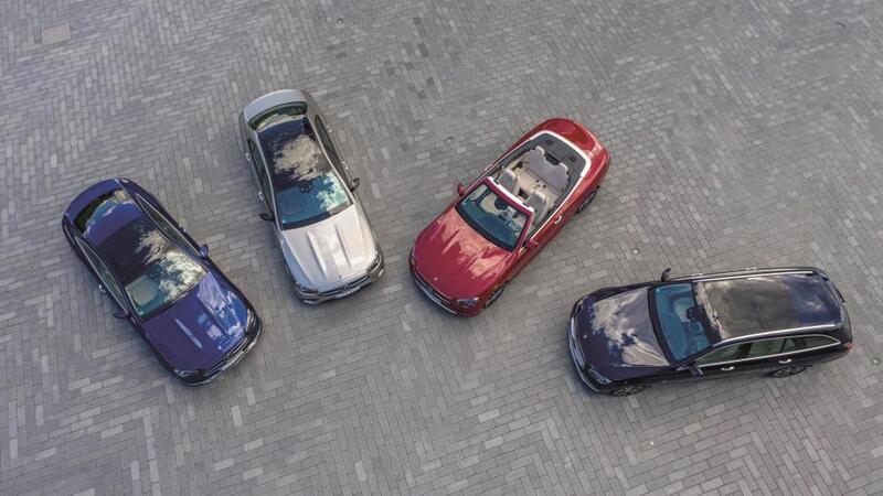 4 سيارات كشف فخمة وأنيقة ورياضية
