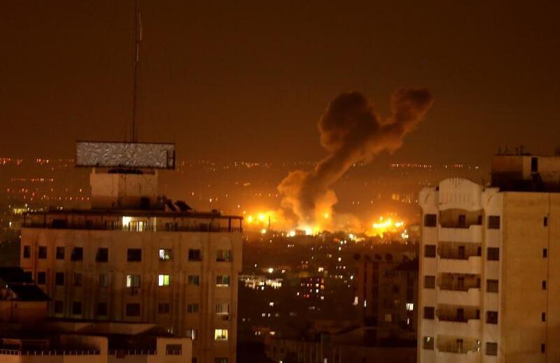 الطائرات الحربية الإسرائيلية تشن سلسلة غارات على مواقع للمقاومة بقطاع غزة