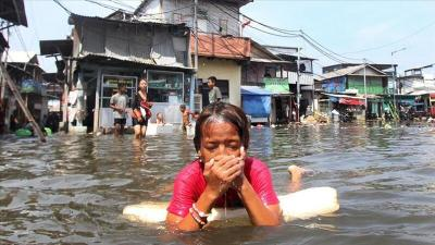 الفيضانات في إندونيسيا وتيمور الشرقية تودي بحياة أكثر من 70 شخصا