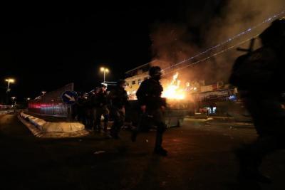 القدس.. دائرة المواجهات تتوسع بين الفلسطينيين وجيش الاحتلال (شاهد)