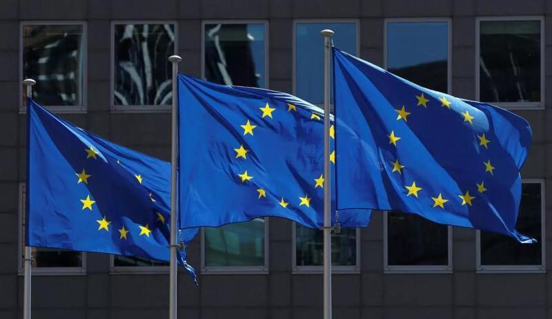 الاتحاد الأوروبي يدعو السلطة إلى