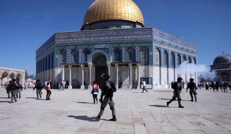 محاولات إسرائيلية لخفض التوتر بالقدس تحسبا من امتدادها للضفة وغزة
