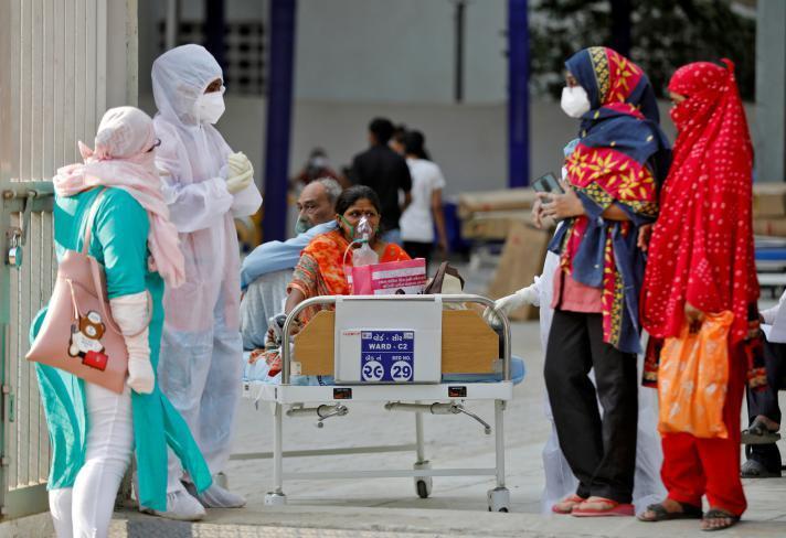بالملايين.. هذه حقيقة إصابات (كورونا) اليومية في الهند