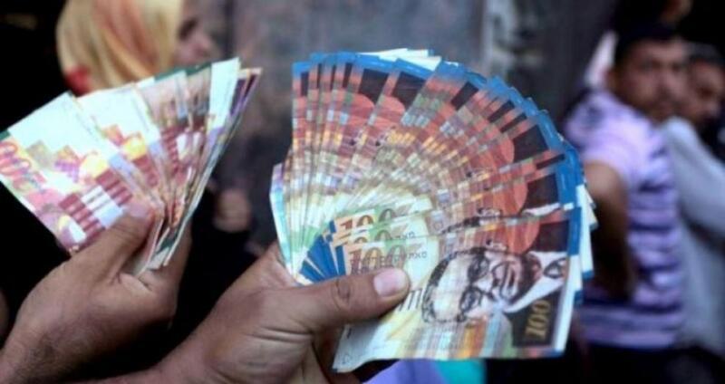 وزارة المالية تكشف موعد صرف رواتب موظفي السلطة في غزة والضفة