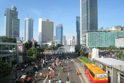 إندونيسيا توسع الإعفاء من ضريبة الرفاهية ليشمل السيارات ذات المحركات الصغيرة