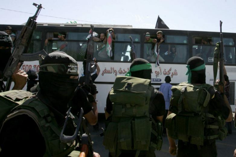 الكشف عن تفاصيل صفقة تبادل الأسرى بين حماس و إسرائيل
