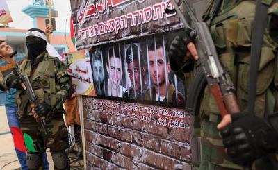 موقع إسرائيلي يكشف سبب تأخر التفاوض بشأن صفقة تبادل الأسرى مع المقاومة