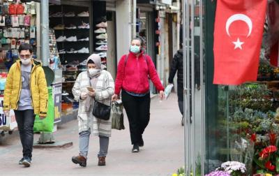 إصابات (كورونا) في تركيا اليومية تتجاوز ثلاثة أضعاف المستوى المسجل في أوائل يوليو