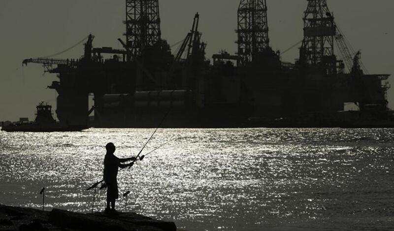 النفط يوقف مسار المكاسب القوية عند 75 دولاراً