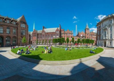 جامعة بريطانية تُرسب 1500 طالب لهذا السبب