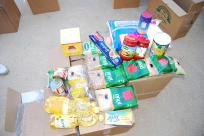 """الرحمة العربية تنفذ حملة """"اغيثوا لبنان"""" بتوزيع الآلاف الطرود الغذائية"""