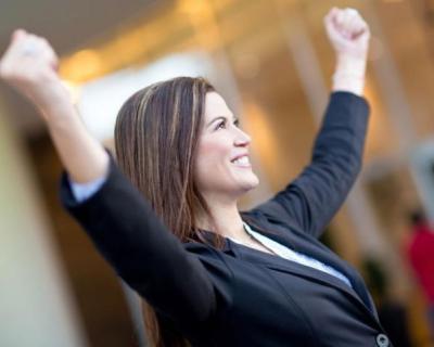 سيدة تقنع زوجها بعمل توكيل عام لإدارة أعماله.. وبعد مرور عام كانت المفاجأة!