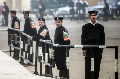 """مصر.. طبيب الأسنان قاتل زوجته يعترف: """"ساعة شيطان"""" دمرت حياتي"""