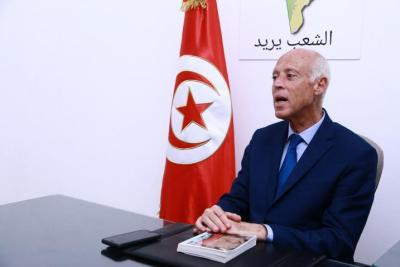 """الرئيس التونسي يصدر أمرا رئاسيا ويعلن : """"460 شخصا نهبوا 13 مليار دينار من الشعب"""""""