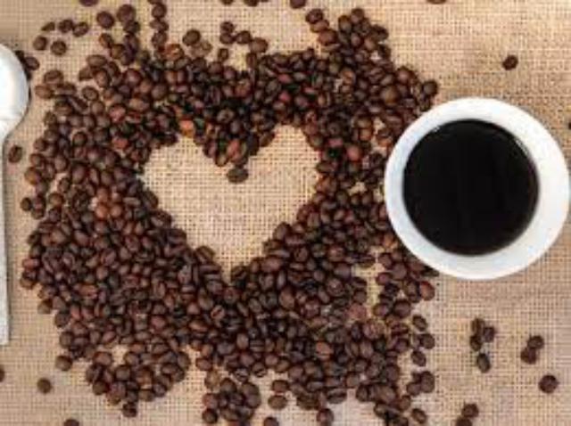 القهوة.. فوائدها ومضارها من دون كافيين