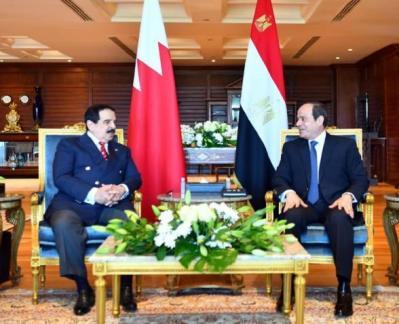 الرئيس المصري وملك البحرين يبحثان أزمة سد النهضة وإعمار غزة