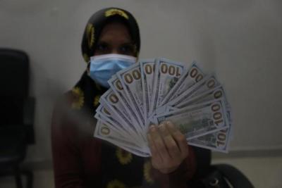 """منظمة """"الرحمة العربية"""" تعلن عن انطلاق صرف المساعدات المالية الطارئة"""