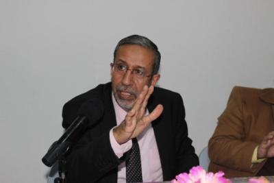 السلطة الفلسطينية إذ تمارس الانتحار الذاتي