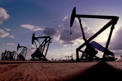 ارتفاع أسعار النفط مع تحول بعض الصناعات عن استخدام الغاز
